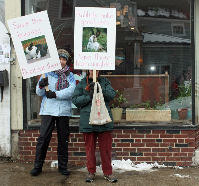 From Left Wendy Andresen And Merrill Tucker Picket Outside Long Grain Restaurant In Camden Saay Afternoon Photo By Holly S Edwards