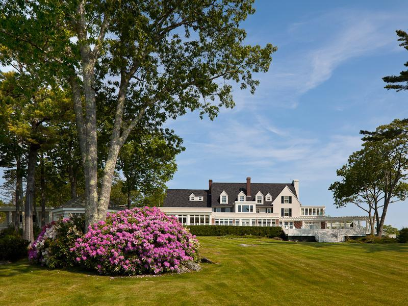 maine deluxe conference guestroom center cottages cottage hotels camden lookout and resort point