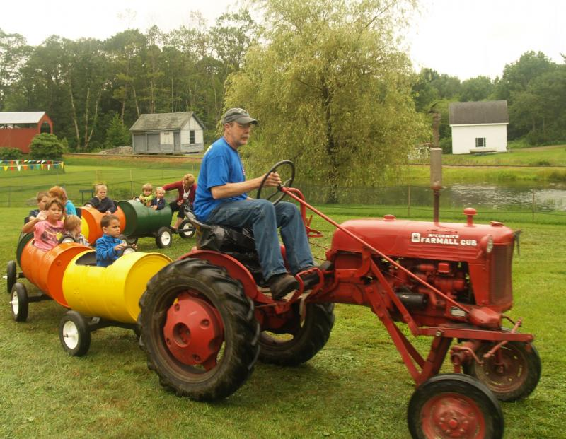 Tractor Train Rides : Celebrate being a kid penbay pilot