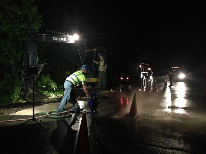 Maine Water workers spend night fixing main leak | PenBay Pilot
