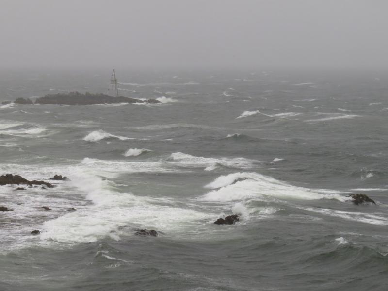 Nor'easter brings hard rain to Maine, disables offshore ...