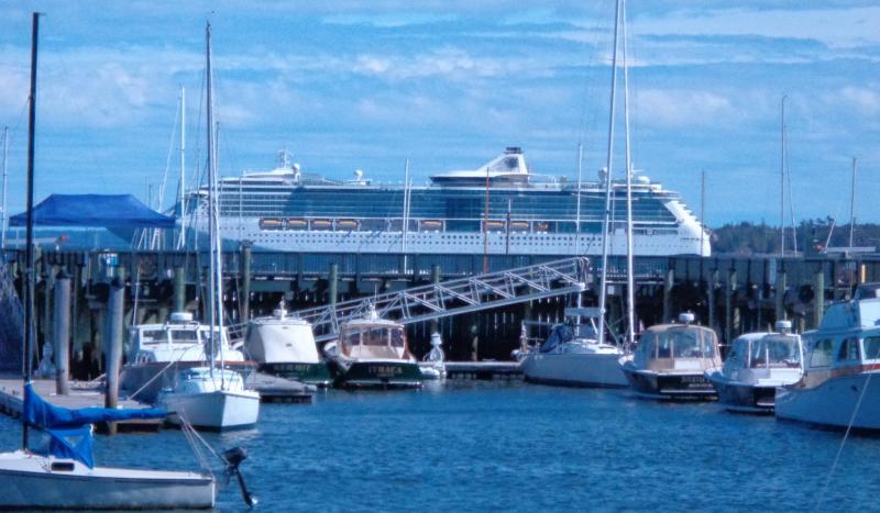 Rockland Postpones Raising Cruise Ship Docking Fees Pending - Cruise ship fees
