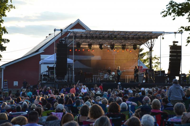 melissa etheridge lights up the june night in union drawing a crowd