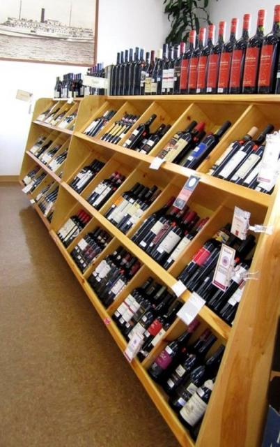 Wine Tasting At Rockland Food Service