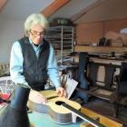 Rob Dmitrieff of Big Wave Guitars